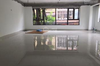 Cho thuê nhà mặt phố Nguyễn Trường Tộ: Diện tích 60m x 3 tầng; mặt tiền 7m, nhà mới, có thang máy