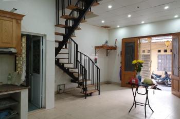 Cho thuê nhà 2 tầng tại khu TT quân đội 918, sân golf Long Biên (gần Aeon Mall)