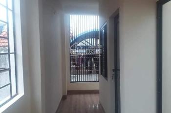 Bán nhà Nguyễn Xiển, Thanh Xuân 4 tầng kinh doanh sầm uất, oto tránh.