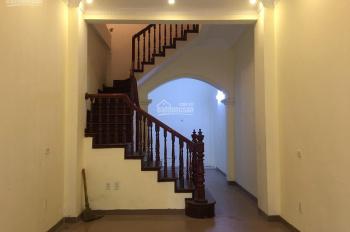 Cho thuê nhà phân lô MT gần 4m, DT 45 m2 x 4t phố Hoàng Cầu, Ngõ thông, Ô tô vào tận nhà. Tiện KD