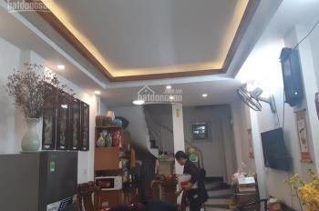 Chính chủ bán nhà phố Bạch Mai, quận Hai Bà, nhà đẹp ở luôn