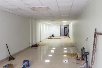 Cho thuê cửa hàng mặt phố Bạch Mai đoạn đẹp, gần ngã tư, DT 50m2, MT 4.5m, giá 20 triệu/tháng