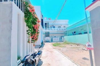 Bán gấp lô góc Phú Trung, xã Vĩnh Thạnh, giá 1 tỷ 090tr