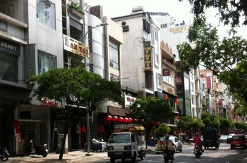 Bán nhà MT đường Lê Văn Sỹ, Phường 10, DT 4,5m x 18m 4 lầu thang máy khu vực sầm uất long lanh