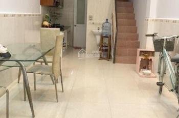Cho thuê nhà 3 lầu, 3 phòng ngủ, 10 triệu/th Đoàn Văn Bơ, P. 9, Quận 4 (3x9m). LH: 0792081989