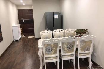 Cho thuê căn hộ D'Capitale Trần Duy Hưng, view hồ, DT 80m2, 2PN, full đồ đẹp, 15 tr/th. 0961016832