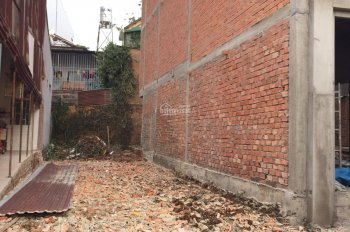 Cần bán gấp đất ở trung tâm TP Bảo Lộc, giá 900 triệu, ngay Vincom