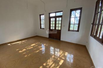 Cho thuê nhà phố Hoàng Cầu DT 45m2 x 3,5T, nhà mới, 2 mặt ngõ, giá 25 triệu/th hợp KD