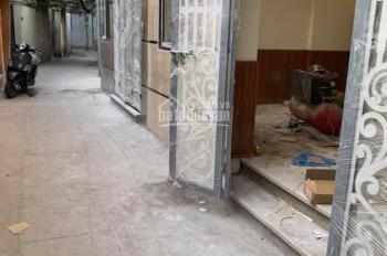 Bán nhà ngõ 141 Trương Định, Hai Bà Trưng, sổ đỏ 33m2, 5 tầng mới, giá 2.6 tỷ