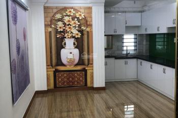 Cần cho thuê nhà mặt tiền đang làm spa tại địa chỉ Hoa Đào, P. 2, Phú Nhuận, HCM, 25tr/tháng