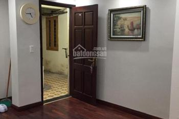 Bán căn hộ tập thể tầng 4, ngõ 91 phố Lý Thường Kiệt, DT: 45m2, 2 phòng ngủ, 1 toilet