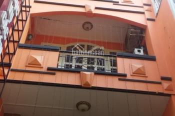 Cho thuê khách sạn 7 lầu, 18 phòng đường Lý Chính Thắng, q. 3 giá 125 triệu/th