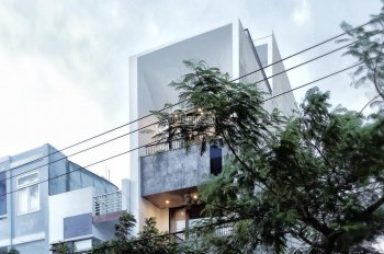 Bán nhà 4 tầng MT Huỳnh Ngọc Huệ có sẵn HĐ thuê 40 tr/tháng. Giá 12,9 tỷ