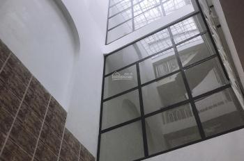 Cho thuê nhà 188A Võ Văn Tần, gần Cách Mạng Tháng Tám đoạn 2 chiều đẹp liên hệ: 0767301646 Chị Đào