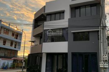 Bán nhà 1 trệt 2 lầu mặt tiền Nguyễn Văn Lộng gần chợ Lái Thiêu giá đầu tư