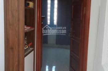 Bán nhà gấp 4 tầng 2 mặt thoáng. ĐC: Bồ Đề, quận Long Biên, TP. Hà Nội, gồm 4 phòng ngủ, 3 vệ