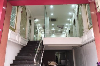 Cho thuê mặt bằng kinh doanh riêng biệt mặt phố Khâm Thiên 48 m2, mặt tiền 4.5m, 26 triệu/th