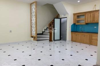 Bán nhà Ngọc Hồi, Thanh Trì, 40m2 x 4 tầng, ô tô đỗ cạnh nhà LH 0904876655