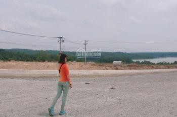 Cần bán lô đất ngay chợ Đất Cuốc kề Tân Uyên, 90m2, chỉ 650 triệu, KDC sầm uất, tiện KD mua bán