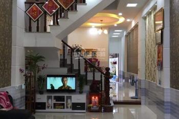 Cần bán căn nhà gần chợ Bình Chánh, hẻm QL 1A, nhà 1 trệt 1 lầu, 120m2/giá 1.9 tỷ
