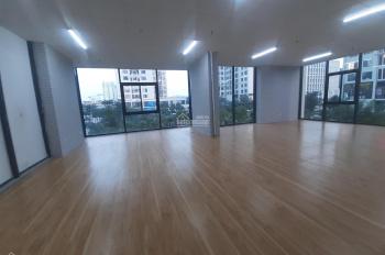 Cho thuê lô thương mại tầng 2 Green Stars 100m2 đã setup sàn trần điều hòa, giá 15 tr/th