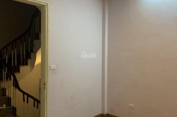 Cho thuê phòng tại khu vực Khương Đình, Thanh Xuân, 20m2, sàn gỗ, riêng chủ - 2,5 triệu/th