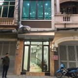 Chính chủ cho thuê nhà làm văn phòng tại phố Hoàng Sâm, DT: 53m2, 5 tầng, DT: 0982011663