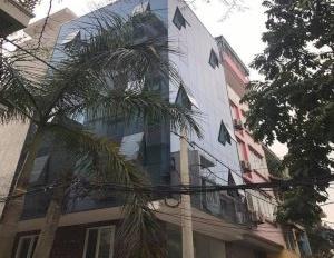Chính chủ bán gấp nhà mặt phố Khuất Duy Tiến, lô góc 4 tầng, 102m2, kinh doanh cực tốt