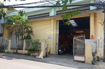 Cho thuê góc 2MT Trịnh Đình Trọng, Tân Phú, DT: 12m x 27m, nhà cấp 4