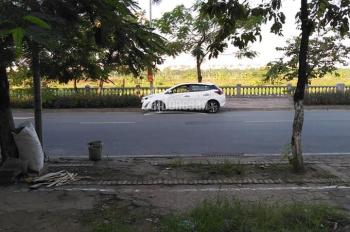 Chính chủ bán 50m2 đất thổ cư tổ 5 phường Giang Biên. Đường ô tô, giá chỉ 40tr/m2