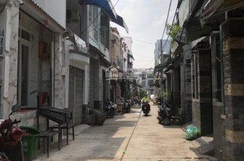 Chính chủ cần bán nhà riêng đường Ấp Chiến Lược, Bình Trị Đông A, Bình Tân, 1 lầu, rộng rãi