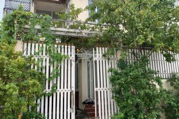 Bán gấp căn biệt thự mini có sân đậu ô tô đường Đình Phong Phú, Quận 9