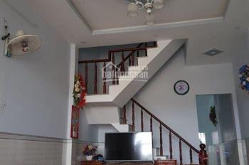 Sang Trung Quốc định cư nên cần bán gấp căn nhà mới xây, giá chỉ 650tr nhà 1 trệt 1 lầu 0902468902