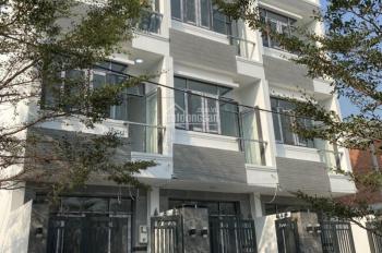 Bán nhà giá rẻ đường Huỳnh Tấn Phát Nhà Bè, nhà 3 lầu, DT sàn 160m2, 4PN, sân thượng, giá 2.3 tỷ