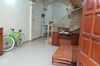 Cho thuê nhà 4 tầng có 4PN phố Tân Mai, giá 8tr/tháng, LH: 0946913368