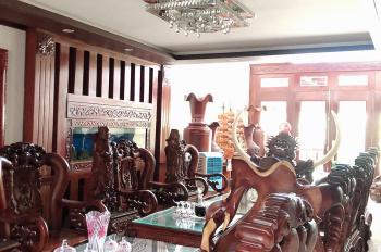 Bán nhà 4 tầng + 1 tầng hầm mặt tiền Khúc Hạo tặng toàn bộ gỗ cao cấp full nội thất