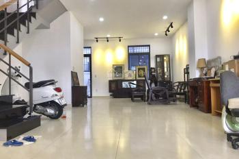 Cần cho thuê gấp nhà phố 5x20m, hướng nam full nội thất đẹp giá chỉ 25tr/th. LH 0902446185