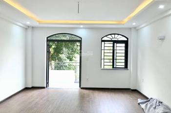 Cho thuê nhà nguyên căn mới hoàn thiện nội thất giá tốt 25tr, Lakeview City, Q2 (LH 0917810068)