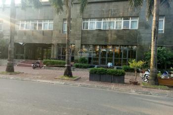 Chính chủ cho thuê 160m2 tầng 1 tổ hợp Vimeco Nguyễn Chánh để kinh doanh các loại. LH 0982 370 458