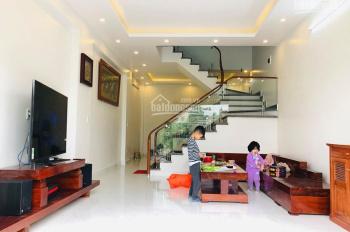 Bán nhanh nhà 3 tầng khung cột độc lập kiểu dáng Vinhomes tại 92 Nguyễn Trung Thành, Hùng Vương