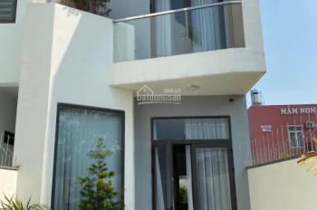 Bán nhà phố đường DX 047, giá rẻ tọa lạc tại P Phú Mỹ TP Thủ Dầu Một T Bình Dương, LH 0964898627