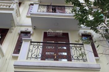 Cho thuê liền kề Quận Thanh Xuân, Hà Nội. DT 75m2, 5T, nhà có thang máy, điều hòa, nội thất cơ bản