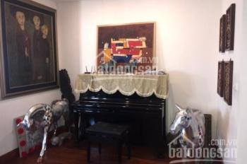 Cần bán gấp lô đẹp nhất 4 tầng biệt thự Lão Thành Cách Mạng Yên Hòa. DT: 200m2, MT: 14m, giá tốt
