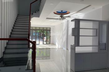 Cho thuê nhanh căn nhà 4 tầng cực đẹp đường A2 KĐT VCN Phước Hải với giá tốt nhất. LH: 0982497979