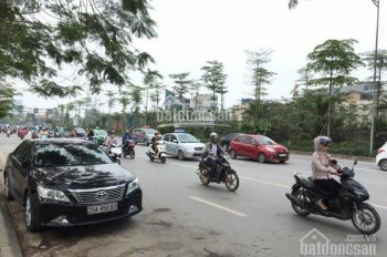 Bán nhà mặt phố Nguyễn Văn Huyên 120m2 x 8 tầng, MT 10m vỉa hè KD đỉnh, đang cho thuê dòng tiền tốt