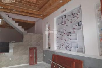 Bán gấp nhà chính chủ ngay thị xã Tân Uyên, giá có thể bớt, nhà đẹp, sổ riêng, LH 0977 916 677