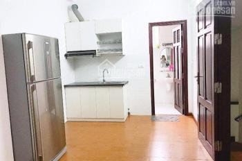 Chính chủ cho thuê căn hộ 75m2, đường Cát Linh, full đồ, 2pn, miễn phí dịch vụ. Lh: 0915.936.956
