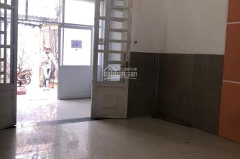 Bán nhà mặt tiền đường 18, Linh Đông, dân cư hiện hữu, đường nhựa 7m, nhà cấp 4 có sẵn 2PN