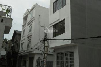 Bán nhà xây mới kiên cố 3 tầng, 1 tum riêng biệt, ngõ ô tô đỗ cửa phố Kiều Sơn - Văn cao
