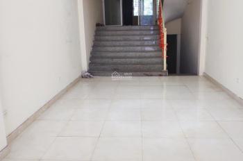 Cho thuê văn phòng, cửa hàng mặt bằng kinh doanh tại đường Phúc Diễn, DT 100m2- giá 12tr/tháng